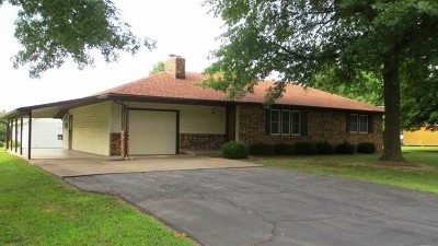 El Dorado Springs Single Family Home For Sale: 305 W A St