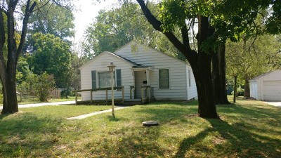 Single Family Home For Sale: 104 W Pine