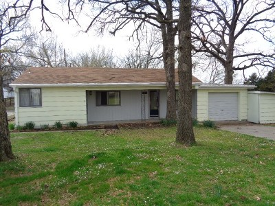 Vernon County Single Family Home For Sale: 1103 W Barr
