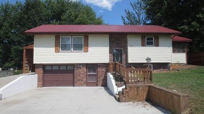 El Dorado Springs Single Family Home For Sale: 1105 S First