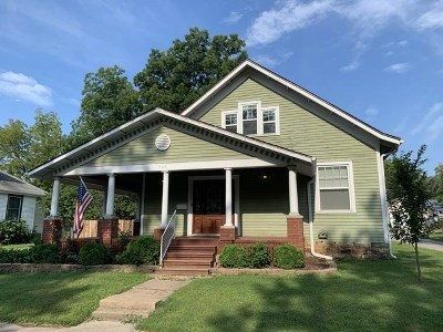 El Dorado Springs Single Family Home For Sale: 304 N Main