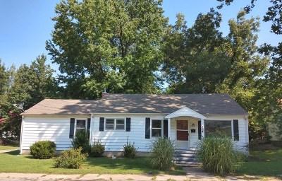 Lamar Single Family Home For Sale: 304 E 7th Street