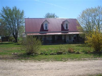 Louisburg Farm Active w/Contingency: 2330 East 360th Road