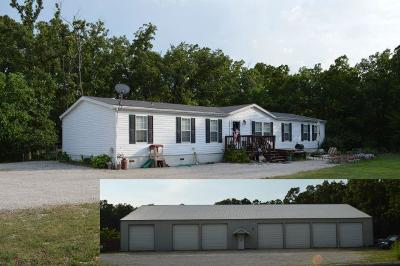 Marshfield Single Family Home For Sale: 2111 South White Oak Road