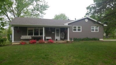 El Dorado Springs MO Single Family Home For Sale: $91,900