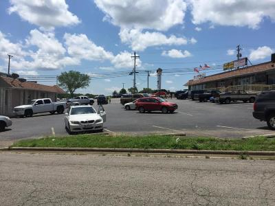 Commercial For Sale: 1819 W.76 Music Blvd.
