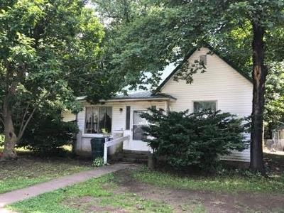 Monett Single Family Home For Sale: 411 West Dunn Street