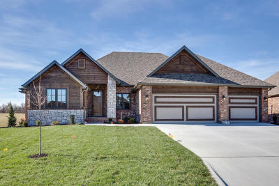 Nixa Single Family Home For Sale: 836 East Abbey Court