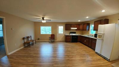 El Dorado Springs MO Single Family Home For Sale: $84,900