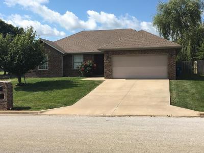 Nixa Single Family Home For Sale: 987 West Cambridge Avenue