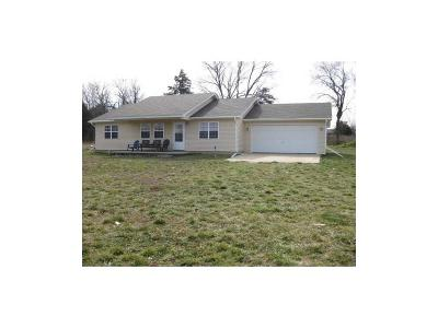 Pineville MO Single Family Home For Sale: $148,000