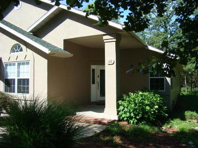 Marshfield Single Family Home For Sale: 22 Small Woods Drive
