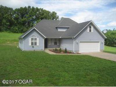 Joplin Single Family Home Active w/Contingency: 3116 Chipmunk Drive