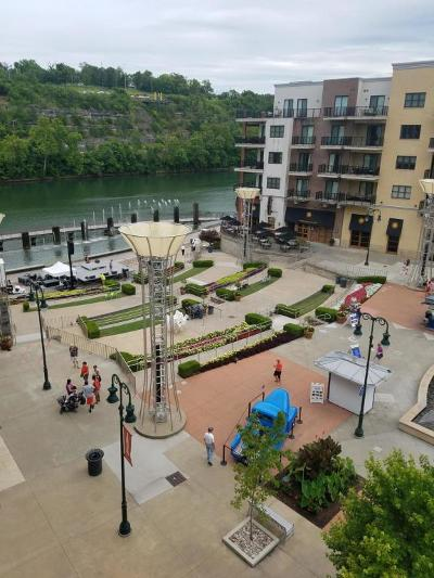 Branson Condo/Townhouse For Sale: 9410 Branson Landing Blvd #410