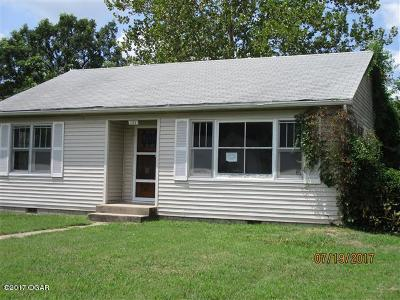 Joplin Single Family Home For Sale: 122 McConnell