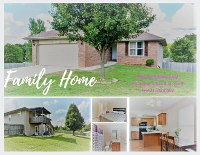 Ozark MO Single Family Home For Sale: $164,900