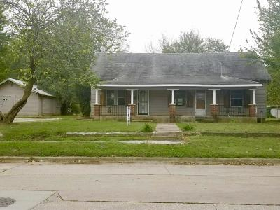 Springfield Single Family Home For Sale: 2020 West Chestnut Street