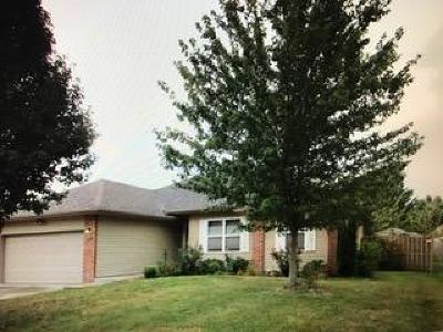 Nixa Single Family Home For Sale: 1004 Care Avenue