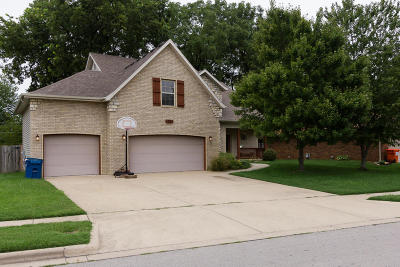 Springfield Single Family Home For Sale: 1241 West Maplewood Street