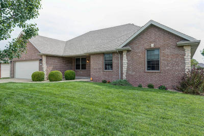 Republic MO Single Family Home For Sale: $190,000