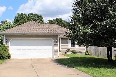 Nixa Single Family Home For Sale: 711 West Mimosa Court