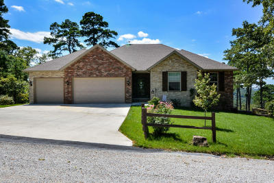 Single Family Home For Sale: 32 Turkey Trail Road