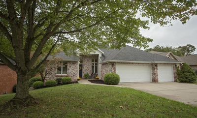 Springfield Single Family Home For Sale: 1939 South Pin Oak Drive