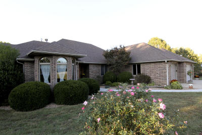 Nixa Single Family Home For Sale: 1935 West James River Drive