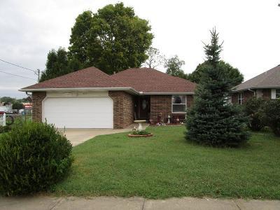 Springfield Single Family Home For Sale: 203 East Glenwood Street