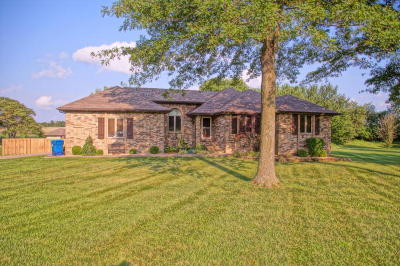Ozark Single Family Home For Sale: 1631 East Peartree Drive