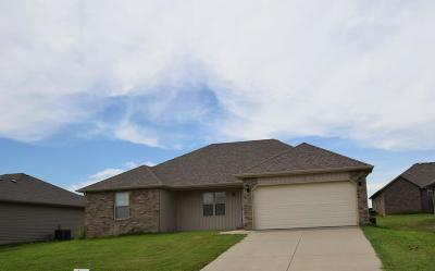 Republic MO Rental For Rent: $995