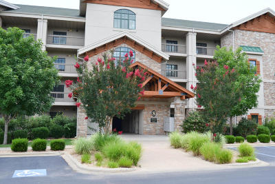 Hollister Condo/Townhouse For Sale: 250 Lakewood Drive #8302