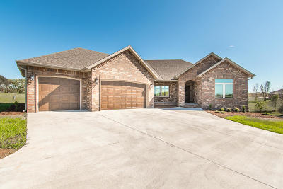 Ozark MO Single Family Home For Sale: $489,900