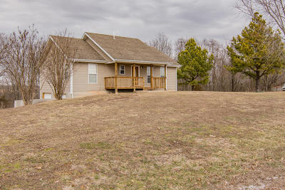 Spokane Single Family Home For Sale: 529 Highlands Drive