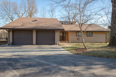 Springfield Single Family Home For Sale: 7138 North Crystal Cave Lane