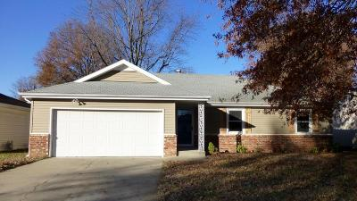 Springfield MO Single Family Home For Sale: $122,900