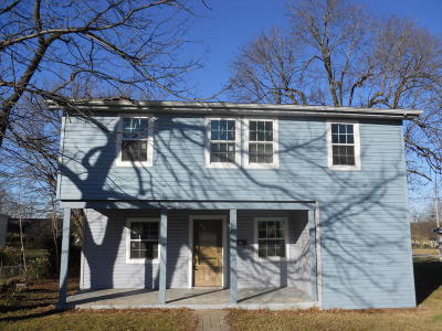 Aurora Single Family Home For Sale: 109 West Cline Street