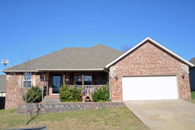 Nixa Single Family Home For Sale: 119 West Silver Oak Street
