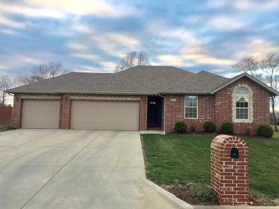 Nixa Single Family Home For Sale: 411 North Bonda Way