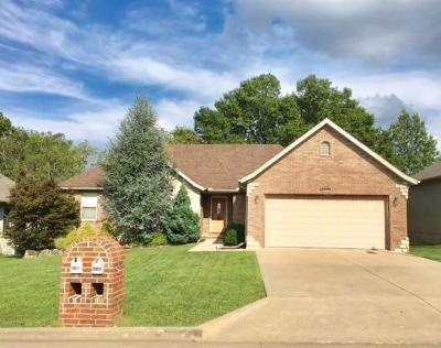Springfield Single Family Home For Sale: 5748 South Meadowbrook Avenue