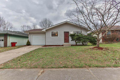 Springfield Single Family Home For Sale: 1642 North Lone Pine Avenue