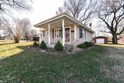 Springfield Single Family Home For Sale: 1603 North Golden Avenue
