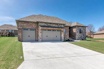 Nixa Single Family Home For Sale: 8314 Rolling Hills Drive