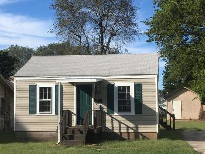 Springfield Single Family Home For Sale: 2909 West Latoka Street