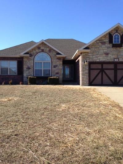 Nixa MO Single Family Home For Sale: $219,000
