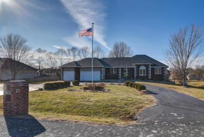 Nixa Single Family Home For Sale: 2073 North Belmont Court