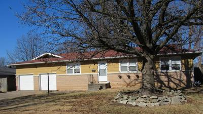 Republic MO Single Family Home For Sale: $104,900