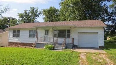 El Dorado Springs Single Family Home For Sale: 218 West Pine Street