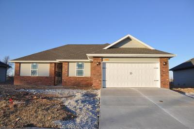 Republic MO Single Family Home For Sale: $152,495