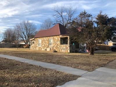 Monett Single Family Home For Sale: 900 3rd Street